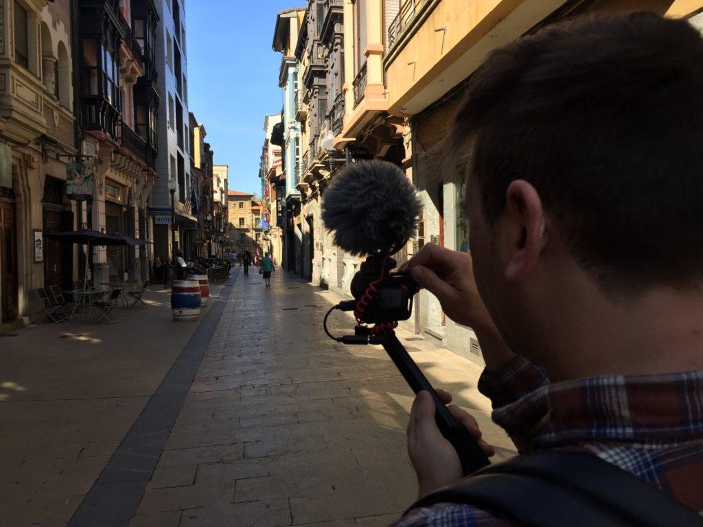 QUÉ VER EN AVILÉS Y ALREDEDORES calle la fruta, Una de las principales calles de la ciudadela medieval amurallada