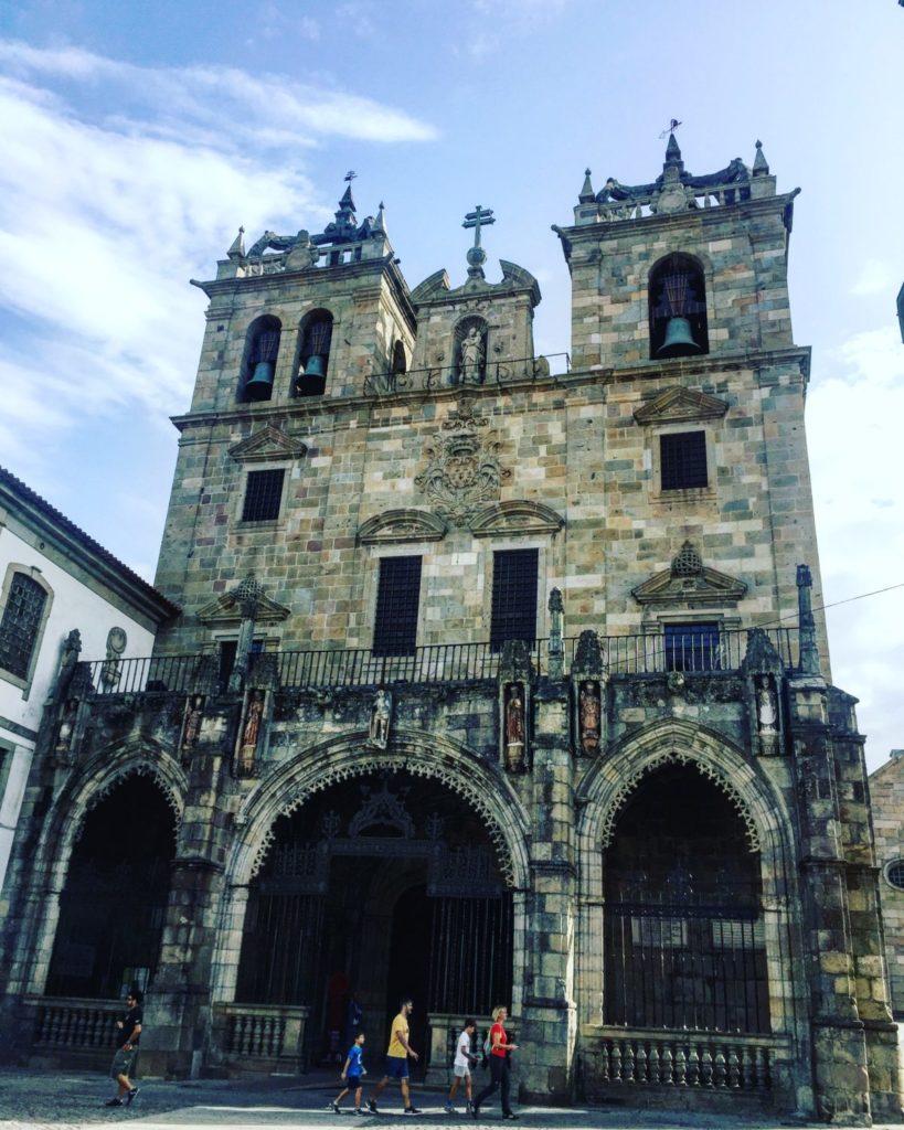 Fachada de la catedral de braga - la se