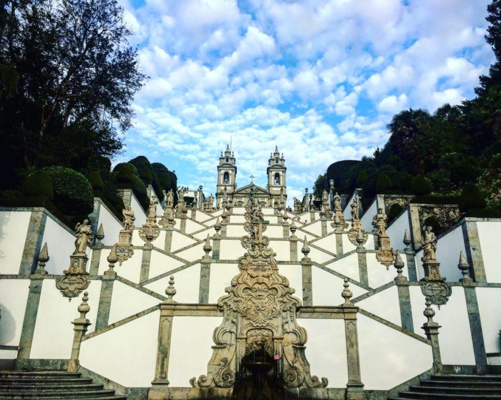 escalina del santuario bom jesús do monte en braga