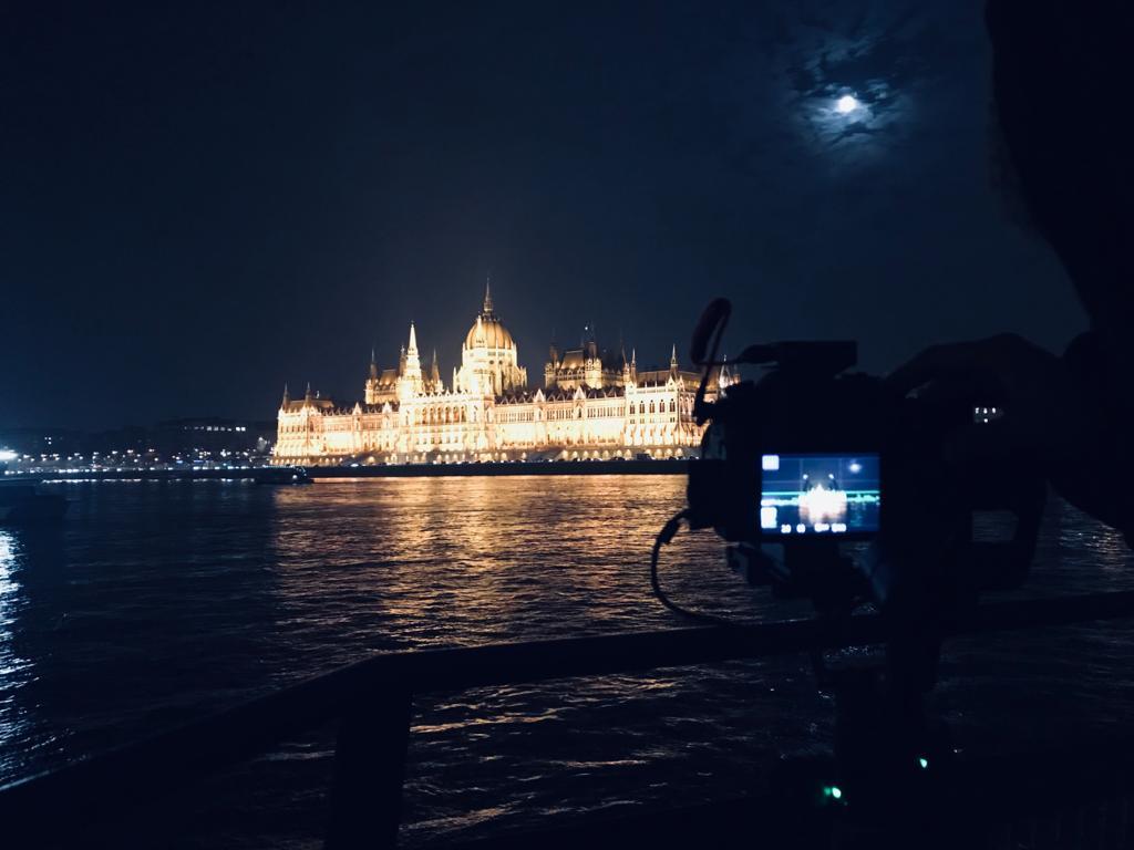 BUDAPEST, QUÉ VER EN 3 DÍAS navegando por el danubio mientras grabamos por el canal de viajes de zapatillasporelmundo