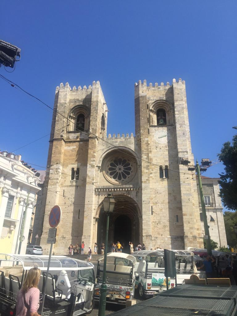 lisboa que ver en 3 días fachada de la catedral