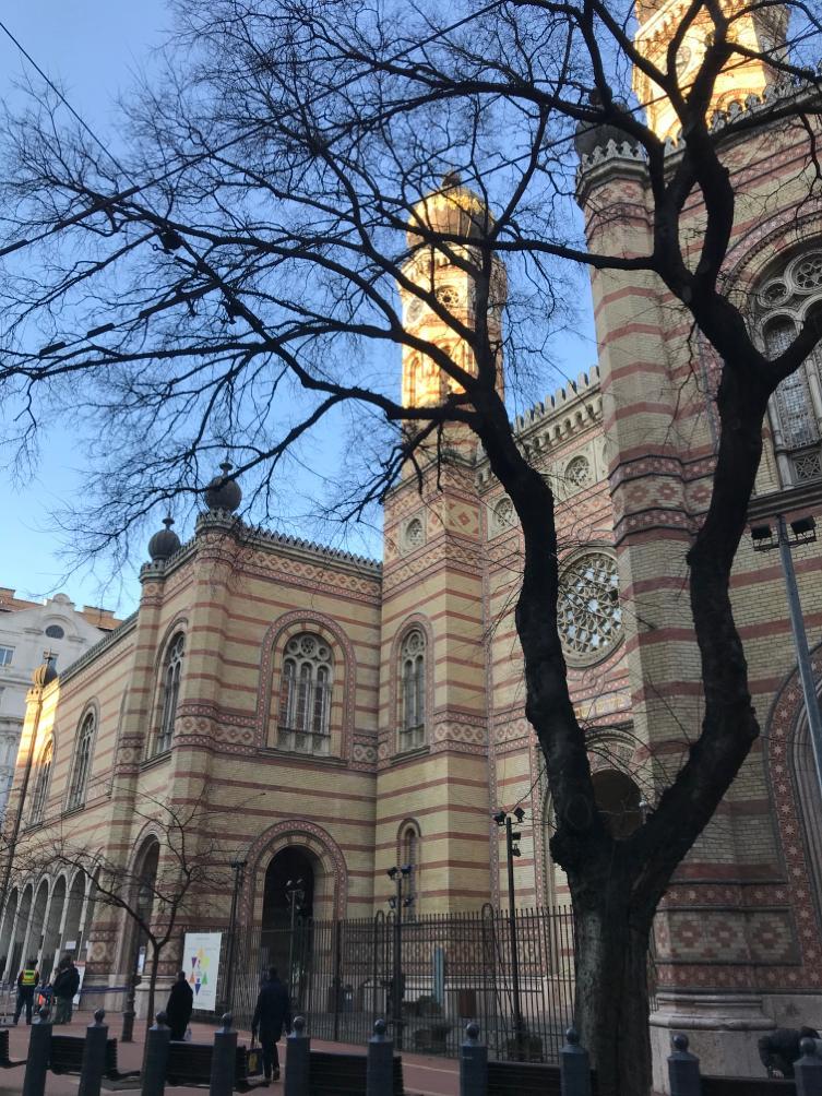 BUDAPEST, QUÉ VER EN 3 DÍAS sinagoga de budapest