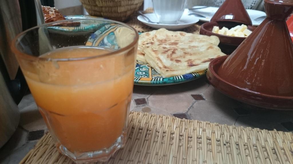 EXPERIENCIA CON VIAJES MARRAKECH desayuno en el riad