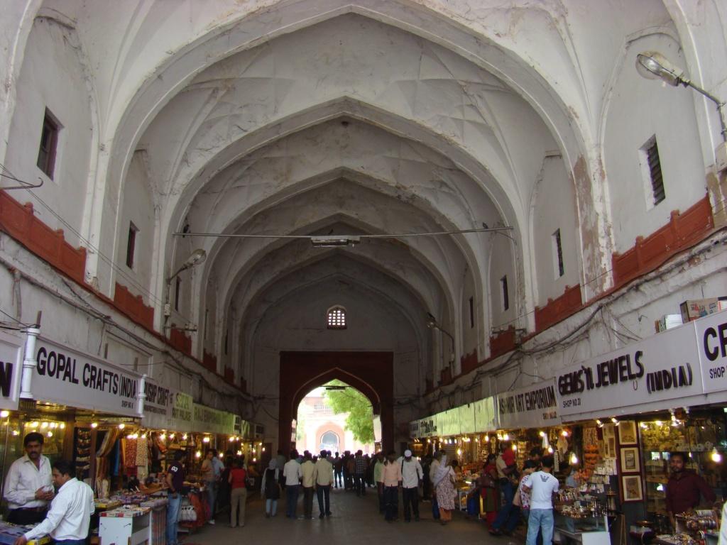 que ver en delhi, chatta chowk entrada del fuerte rojo