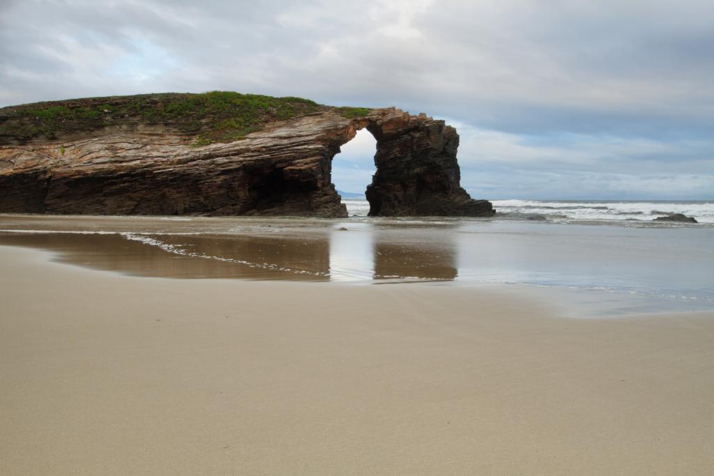 foto de la playa de las catedrales en ribadeo, galicia
